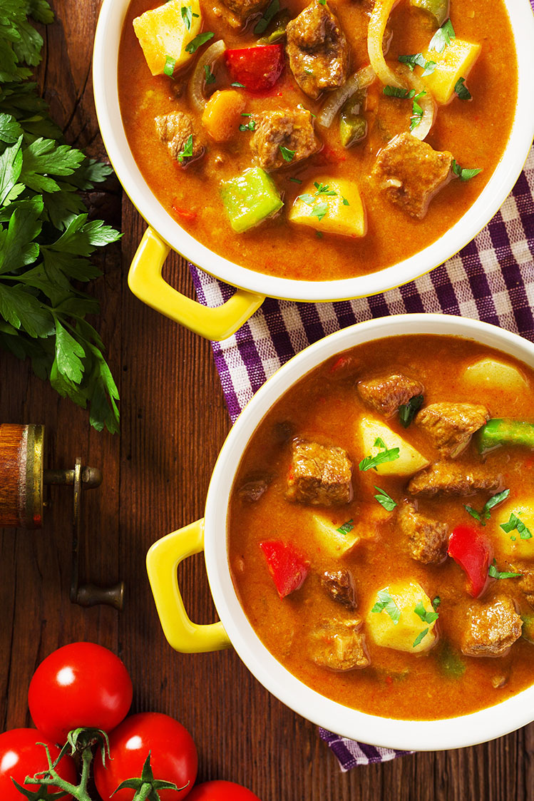 Zupa gulaszowa z mięsiwem
